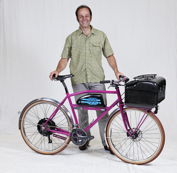 VINNEREN: Denne elsykkelen vant Oregon Manifest i 2011, signert rammebyggeren Tony Pereira fra Portland. Juryen falt for den låsbare boksen med innebygget musikkspiller og høyttalere, samt elmotoren. Valget ble raskt kritiserte av flere for ikke å være nytenkende nok.