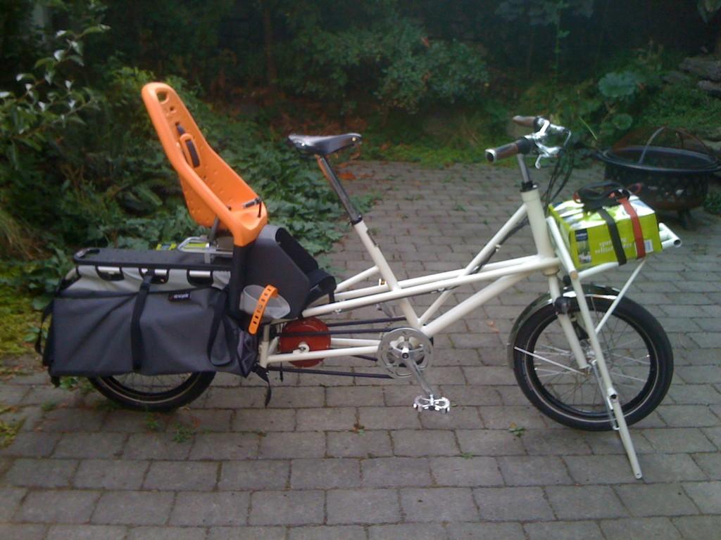XTRAVOIS: Clever Cycles er blant USAs største forhandlere av transportsykler. De elsker Xtracycle-konseptet, men ville ha en modell som var mer fleksibel for ulike typer syklister. Dermed skapte de Xtravois 2.0 for Oregon Manifest 2011, med en elmotor som driver på kranken. En ideell familiesykkel som er enkel å komme av og på.