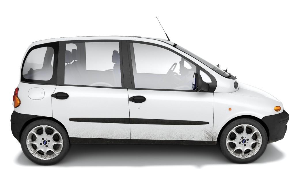 BILER JEG IKKE HAR EID: Fiat Multipla (1998-2010). Hvor ofte ser du biler som likner på hverandre? Hele tiden. Hvor ofte ser du biler som får deg til å smile? Altfor sjelden! Fiat Multipla er en bil jeg blir glad av. Designet for å romme to seterader med tre seter hver, også foran – med bratte, høye sidevinduer som skaper en fantastisk romfølelse i kupeen. Arkitekter definerer gjerne innsiden av bygget først. De lager et romprogram, som svarer på brukernes behov. Så blir utsiden bestemt av det innsiden krever. Jeg liker at noen bildesignere tenker i samme baner.