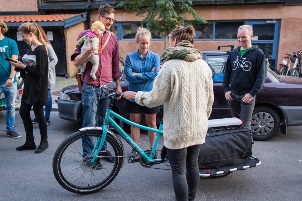 DEMOKVELD: André Sæther elsker å la folk oppleve elsykler, og tok turen fra Drammen da MDG Gamle Oslo arrangerte Transportsykkelkveld på Kampen Bistro i Oslo i september 2015.