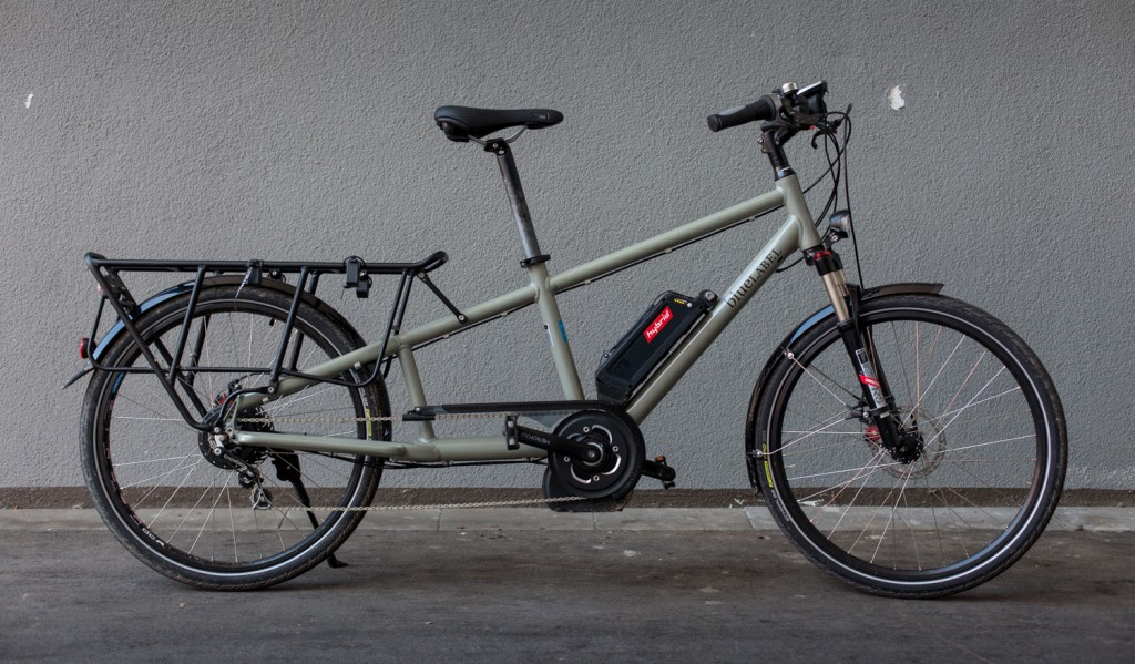 UNIK: Dette er pr i dag den eneste longtailsykkelen på markedet med integrert midtmotor. Bosch-motoren og det trinnløse girnavet fra NuVinci gir en uvanlig smidig kjørefølelse. Og med en motor som kan bruke drivverkets utveksling for å justere turtallet, vil denne dra deg opp enhver motbakke – selv med tung last. Foto: Geir Anders Rybakken Ørslien