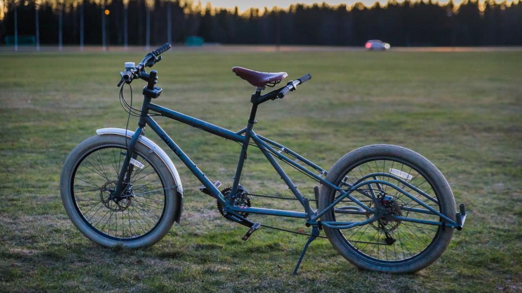 NAKENBILDE: Surly Big Dummy er bygget etter det åpne Xtracycle-systemet, der tilbehøret plugges inn i bakenden på sykkelen. To lastebøyler gir feste til sideveskene, ulike bøyler kan bygge ut støtte i bredden.