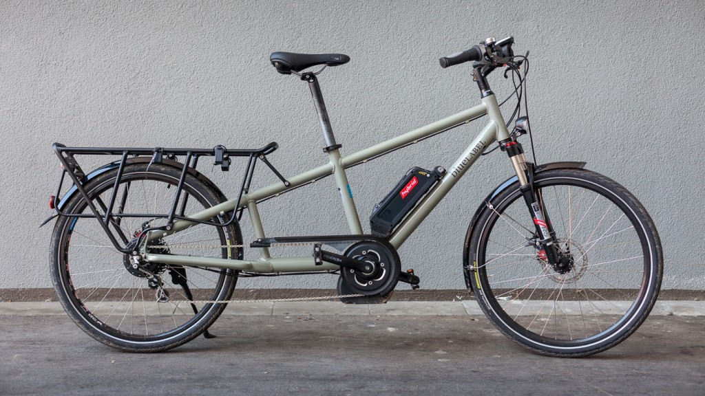 GRUNNVERSJONEN: Slik ser Riese & Müller Blue Label Transporter Hybrid ut i nedstrippet versjon, slik den blir levert ny. Langt navn på lang sykkel. Foto: Geir Anders Rybakken Ørslien