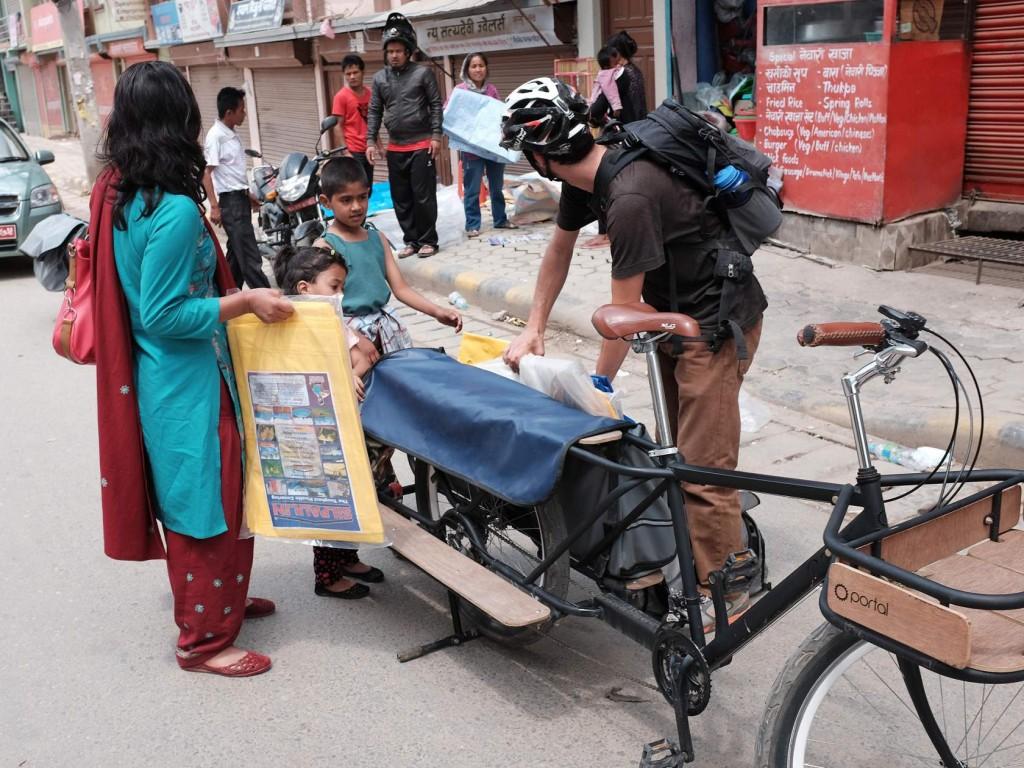 nepal-earthquake-mountainbike1